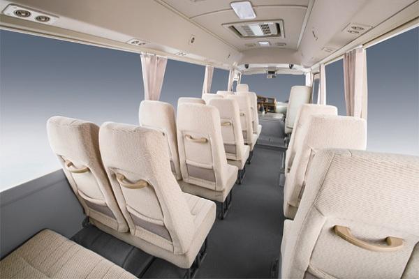 金旅XML6700J18Q客车(汽油国四10-23座)