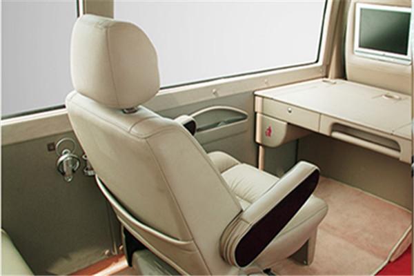 安凱HFF6700KDE5FB2客車(柴油國五10-23座)