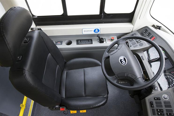比亚迪K9车型驾驶室图