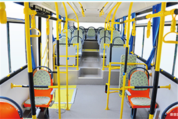 安凯HFF6100G39DE5公交车(柴油国五25-40座)