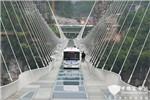 """从挑战""""世界第一玻璃桥""""看安凯无人驾驶技术发展""""加速"""