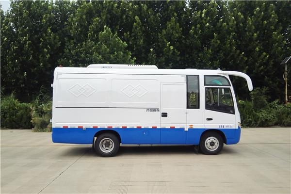 齐鲁BWC5041XXYKH厢式运输车(柴油国五2座)