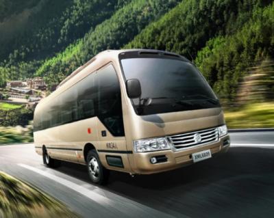 旅游版+公交版 金旅超级D8纯电动客车让旅途更美好
