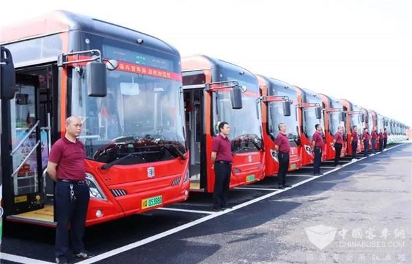 """红色文化在""""路上""""① 中车电动新巴客服务宜宾,成为""""流动""""的课堂!"""